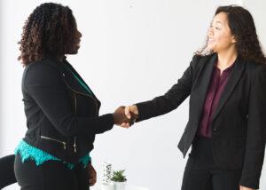business-women-handshake